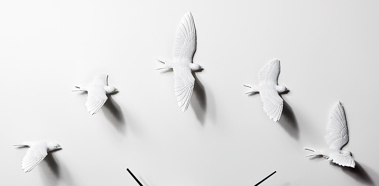 Дизайнерские настенные часы Swallow X CLOCK — Ласточки в вашем доме